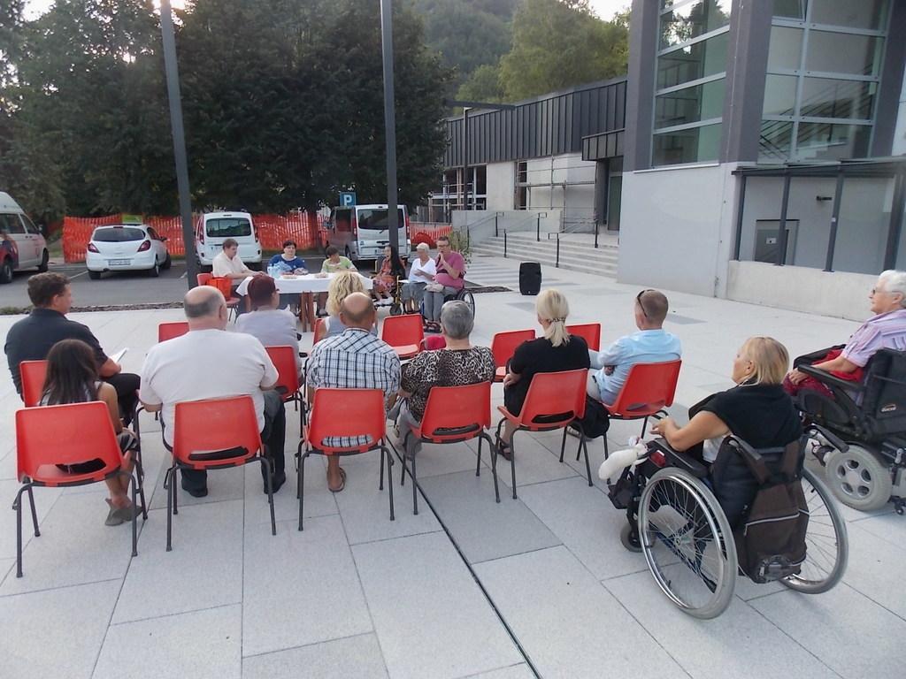 poletni literarni večer v Črni