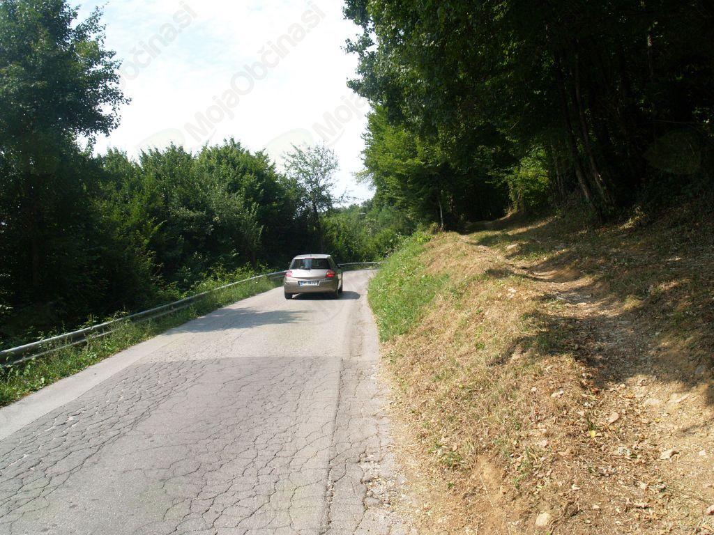 S pomočjo donatorja  kmalu razširitev ceste proti Sadinji vasi