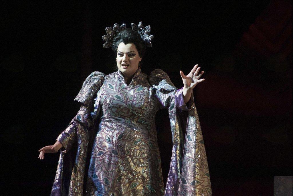 Rebeka Lokar kot Turandot