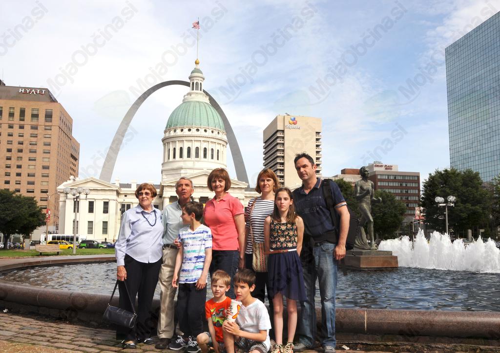 Družina Pekovec, ga. Cecilija, g. Steve in žena Bonnie.