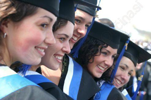 Obvestilo študentom in zlatim maturantom