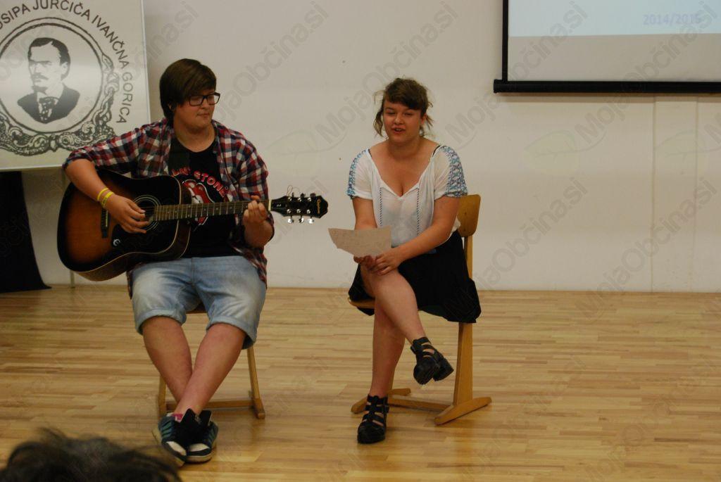 Tamara in Nika sta poskrbeli za glasbeno ozadje