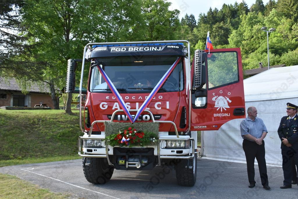 Novo gasilsko vozilo je izjemna pridobitev tako za Prostovoljno gasilsko društvo Breginj kot za požarno varnost krajanov Breginja in okolice.