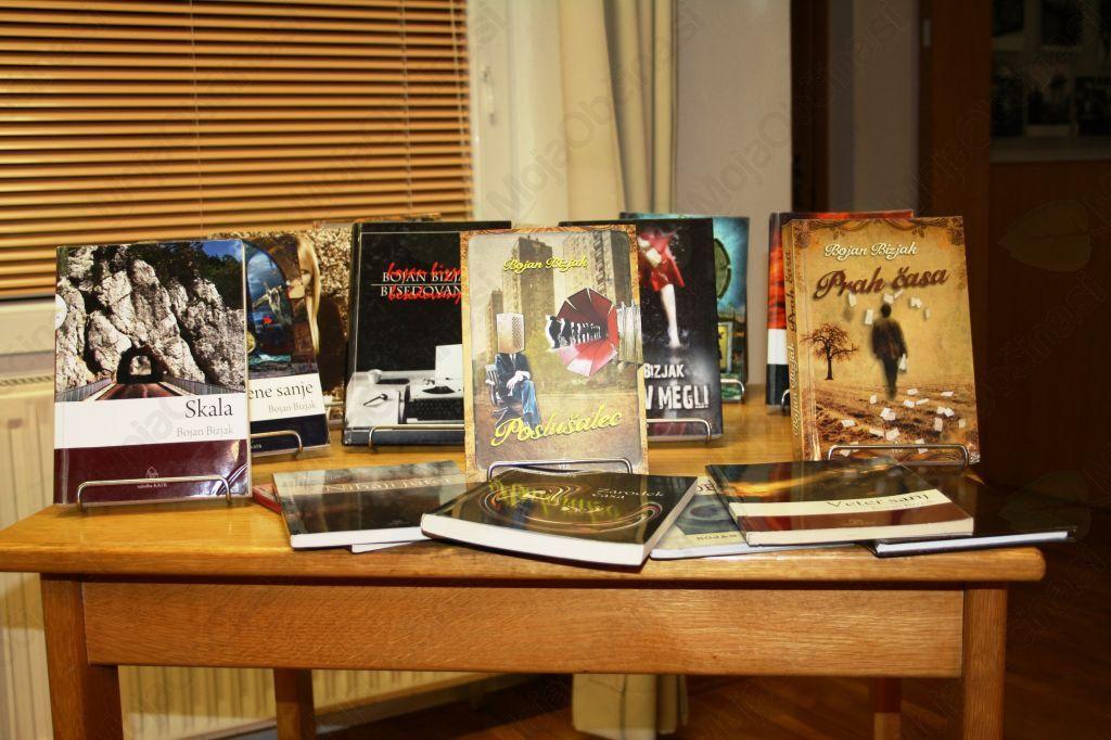 Roman Bojana Bizjaka Poslušalec v Lavričevi knjižnici