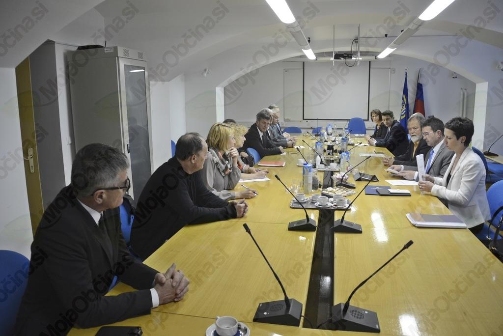 Boris Koprivnikar, minister za javno upravo, z župani