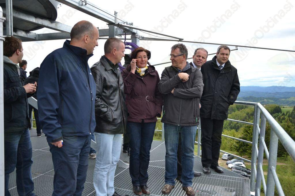 Na razgledni točki na višini 1.040 metrov so si slovensko pokrajino ogledali gosti in obiskovalci dogodka.
