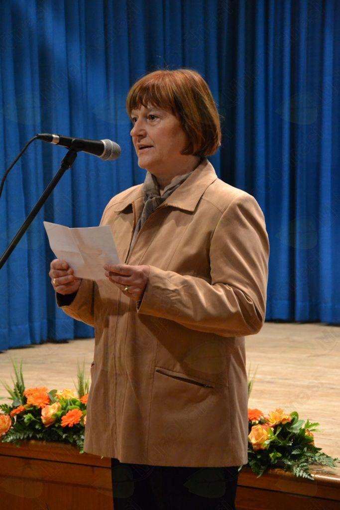 V imenu gostitelja je zbrane pozdravila predsednica KS Črni Vrh Tončka Dolenc.