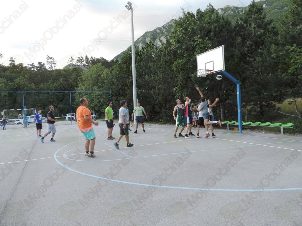 Tudi piknik v znamenju košarke