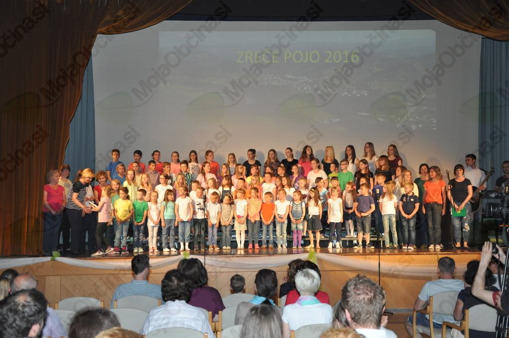 Združeni pevski zbori in učitelji Osnovne šole Zreče