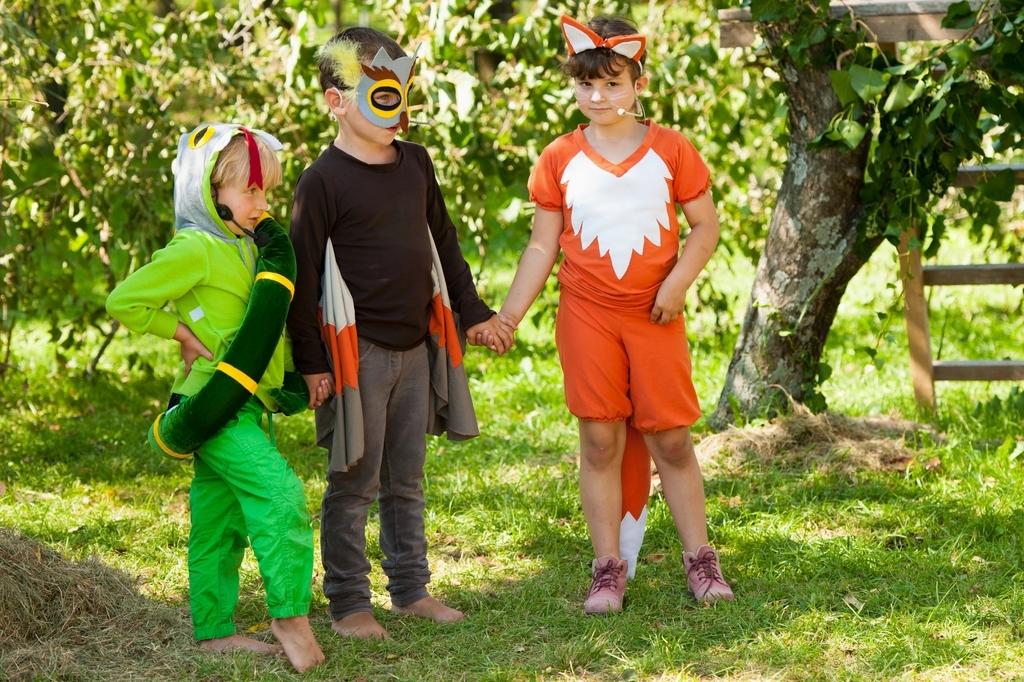 Kača, sova in lisica.  Foto: Samo Trebižan