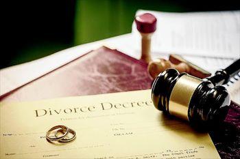 Koronavirus: Ločitve in razveze v času epidemije
