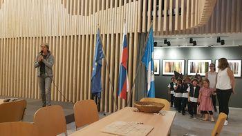 Nastop otrok Vrtca Bled v Info centru TNP-ja