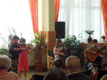 Medgeneracijsko sodelovanje Doma upokojencev Sevnica z lokalnim okoljem
