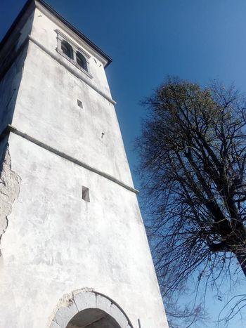 Cerkev sv. Barbare Ravniku pri Hotedršici