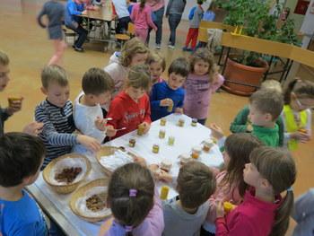 Za slovenski zajtrk lokalno pridelana hrana