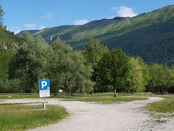 Nadomestilo za uporabo dostopnih mest ob Nadiži