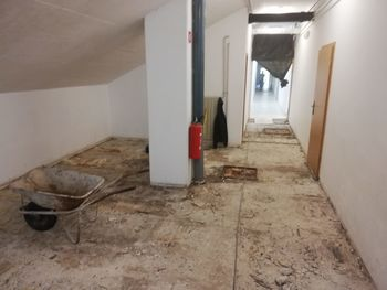 Obnova hodnika v Športni dvorani Kobarid