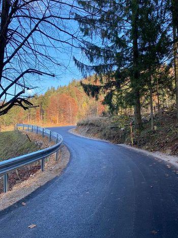 Skoraj pet kilometrov novega asfalta
