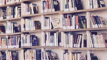 Obvestilo glede zaprtja knjižnice Polhov Gradec med prvomajskimi prazniki