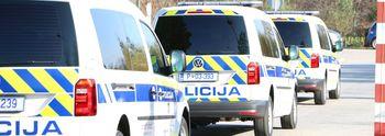 Policija je v lanskem letu obravnavala manj prometnih nesreč