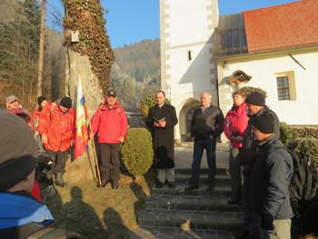 Župan praznični dan preživel med pohodniki in konjeniki