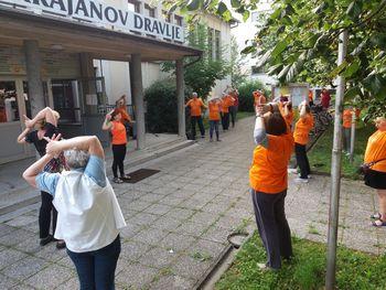 Deset let jutranje telovadbe ljubljanske skupine Šole zdravja v Dravljah