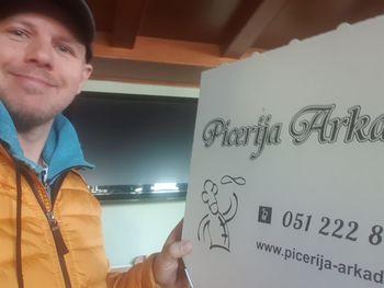 Lastnik picerije s Škofljice poskrbi za topel obrok pomoči potrebnim