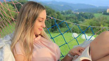 """""""Enostavno bi rada delila s svetom to, kar čutim!"""" - intervju z Lauro Pesjak iz Frankolovega"""