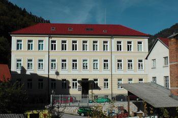 Knjižnica dr. Toneta Pretnarja na Balosu 4 v Tržiču je odprta