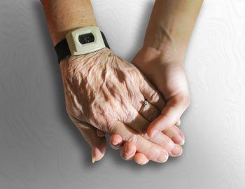 Mladi po nasvet in zgodbe k starejšim
