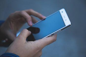 """Delavnica """"Digitalno opismenjevanje - uporaba pametnih telefonov"""""""