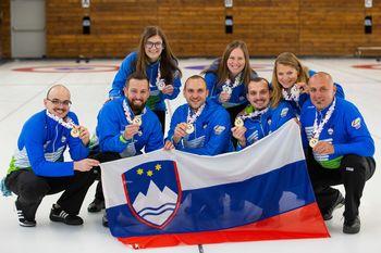 Slovenija zlata in srebrna na evropskem curling prvenstvu skupine C