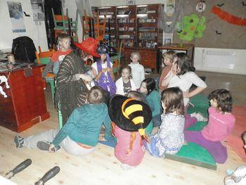 Jesenske čarovniške počitnice v Štorkljini hiši