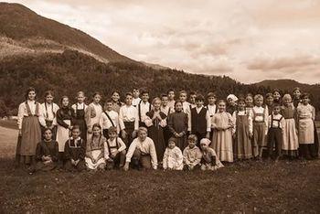Preddvorski folkloristi vabijo na koncert