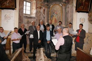 Moški pevski zbor Janko Kersnik zapel  na Limbarski gori