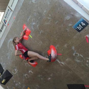 Evropsko mladinsko prvenstvo v balvanskem plezanju – Zan 13., Petra 15