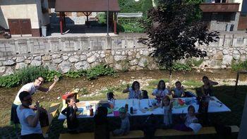 Bernekerjeva poletna ustvarjalnica: SLIKA – OBJEKT