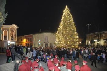 Tradicionalni prižig prazničnih lučk in podpis listine ob obletnici pobratenja z občino Romans d'Isonzo