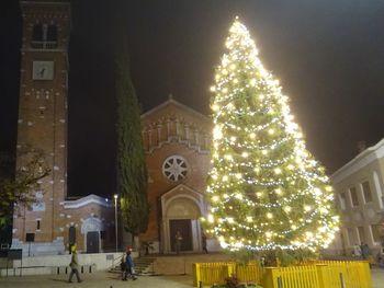 Tradicionalni prižig prazničnih lučk v Šempetru in Vrtojbi