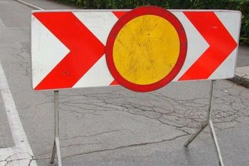 Vzpostavlja se nadzor prometa na meji z Italijo v Vrtojbi, prehod v Šempetru od danes zaprt