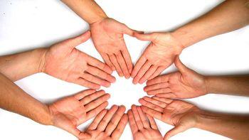 Poziv prostovoljcem za pomoč pri varstvu otrok na domu