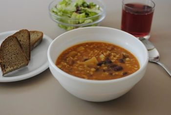 Javni poziv za zagotavljanje toplega obroka za učence in dijake