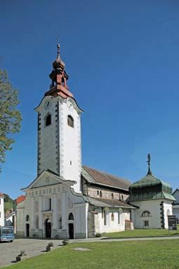 Obnovljena cerkev Marijinega rojstva v Šmarju-Sapu