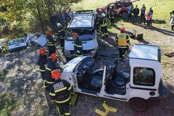 Gasilska vaja ukrepanja v prometni nesreči