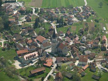 Občina Šentrupert bo razdelila 76 tisoč evrov na javnih razpisih