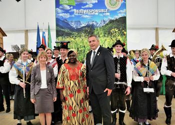 Slovenija in ves svet prvič praznovala svetovni dan čebel
