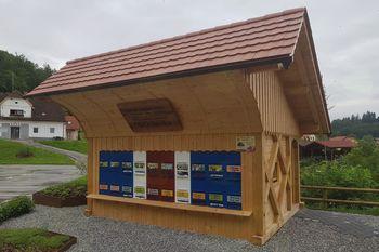 Čebelnjak Kranjske čebele v Višnji Gori