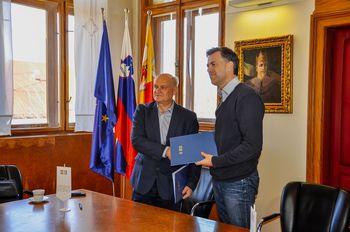Podpisali pogodbo za projektiranje brvi v Irči vasi