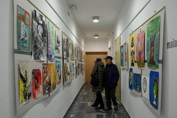 Otvoritev razstave likovnih del skupine Medgeneracijski center Mežica