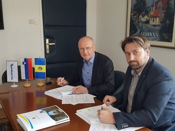 Podpisana pogodba za gradnjo prizidka v Žitečki vasi